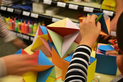 sòlids platònics, octaedres, cubs, colors, taller, Barcelona