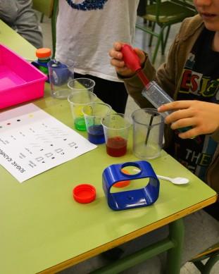 Taller de Química: gradient de densitat amb sucre.