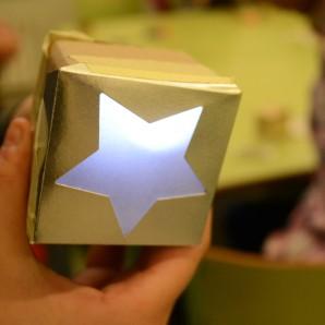 Estel de Nadal amb cartró i LED