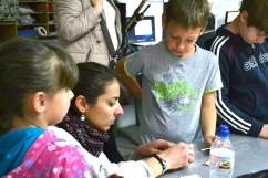 taller STEM/STEAM extraescolar/afterschool de labclub al made makerspace de barcelona amb 3d printer and laser-cutter