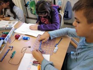 Tallers Extraescolars Ciència Badalona Circuits Elèctrics