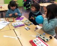 Tallers extraescolars - Cotxes propulsats amb globus STEAM Barcelona