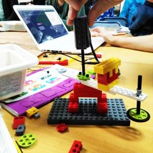 Taller Robòtica LEGO WeDo Drawing machines