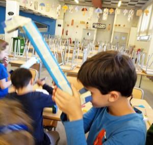 Taller construcció Periscopis Extraescolars Ciència Badalona