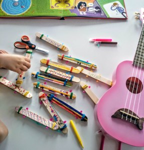 Educació Infantil Instruments musicals Taller construcció Harmòniques