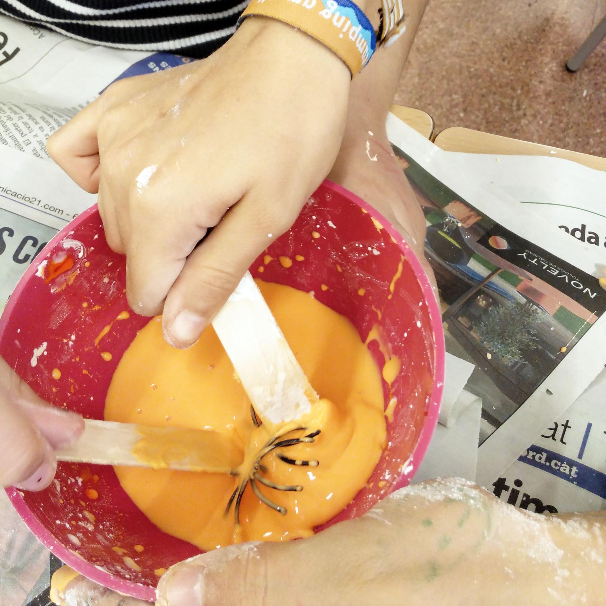 Tallers Extraescolars STEAM Slime Aranyes Invertebrats